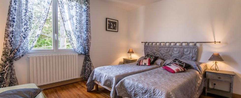 Photographe spécialisé dans l'immobilier, je réalise le reportage photo de votre logement dans les Côtes d'Armor et en Bretagne. De belles photos permettent de mettre en valeur votre bien pour la vente et la location. Des photographies professionnelles sont en effet le premier critère de sélection lors de la consultation […]